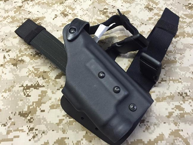 Sig Sauer pistoleto dėklas Safariland 6004-775-121 with ITI lam Right Tactical HolsterSig Sauer P226 6004-775-121